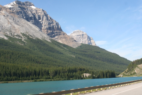2098_vers_emerald_lake.jpg